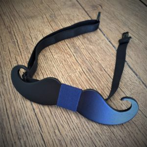 Nœud de papillon en bois «Moustache» (Tissu Bleu)